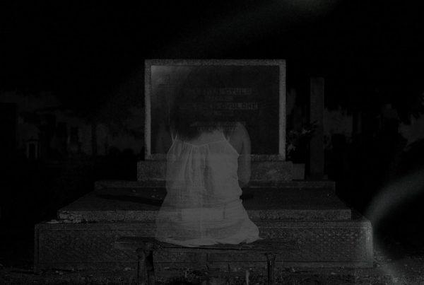 Spökhistorier - LÄS DELA VINN